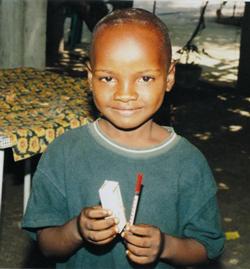 Junge-in-Kongo-mit-Insulin-